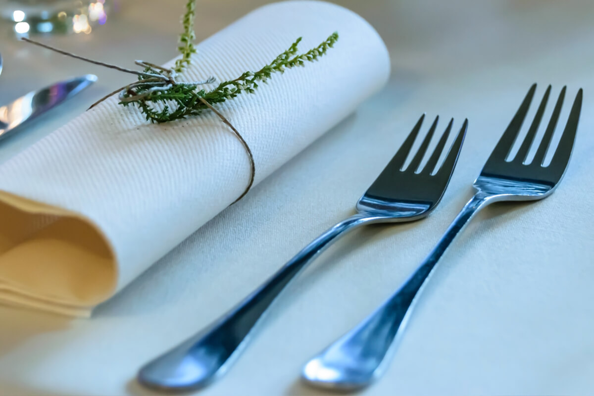 Is My Flatware Magnetic? Why Should I Care?