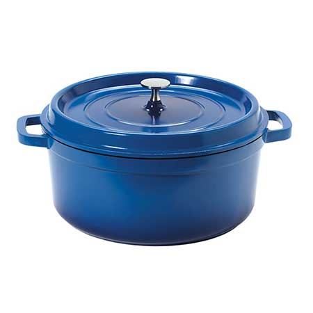 A 6.5 quart dutch oven with looped handles from G.E.T.