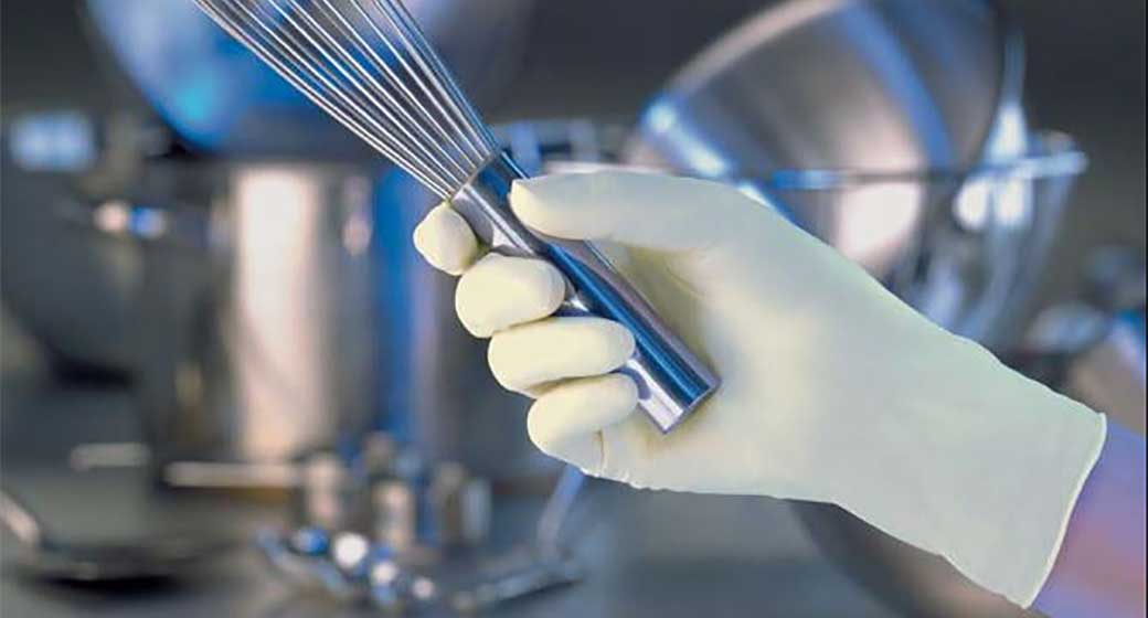 Best practices for glove use in restaurants