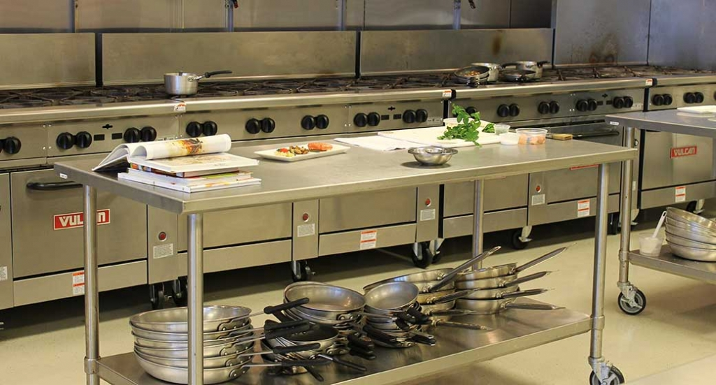 How to tidy up your commercial kitchen for your restaurant or foodservice business.