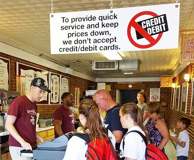 Cash-only restaurants look to save money from card transaction fees.