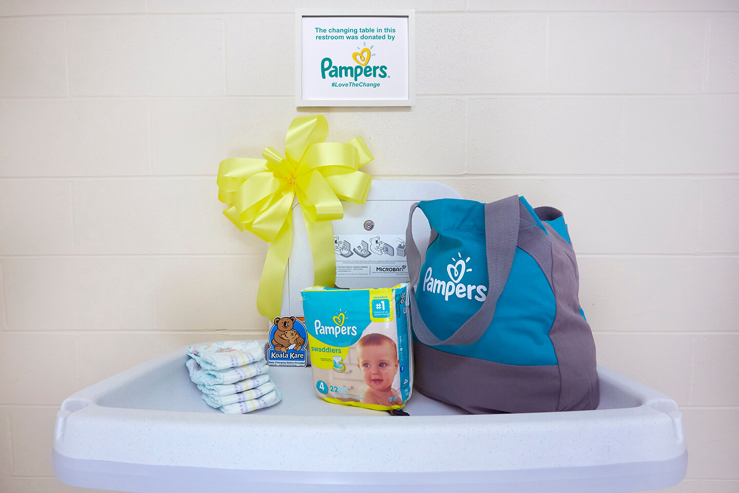 Changing station by Pampers and Koala Kare