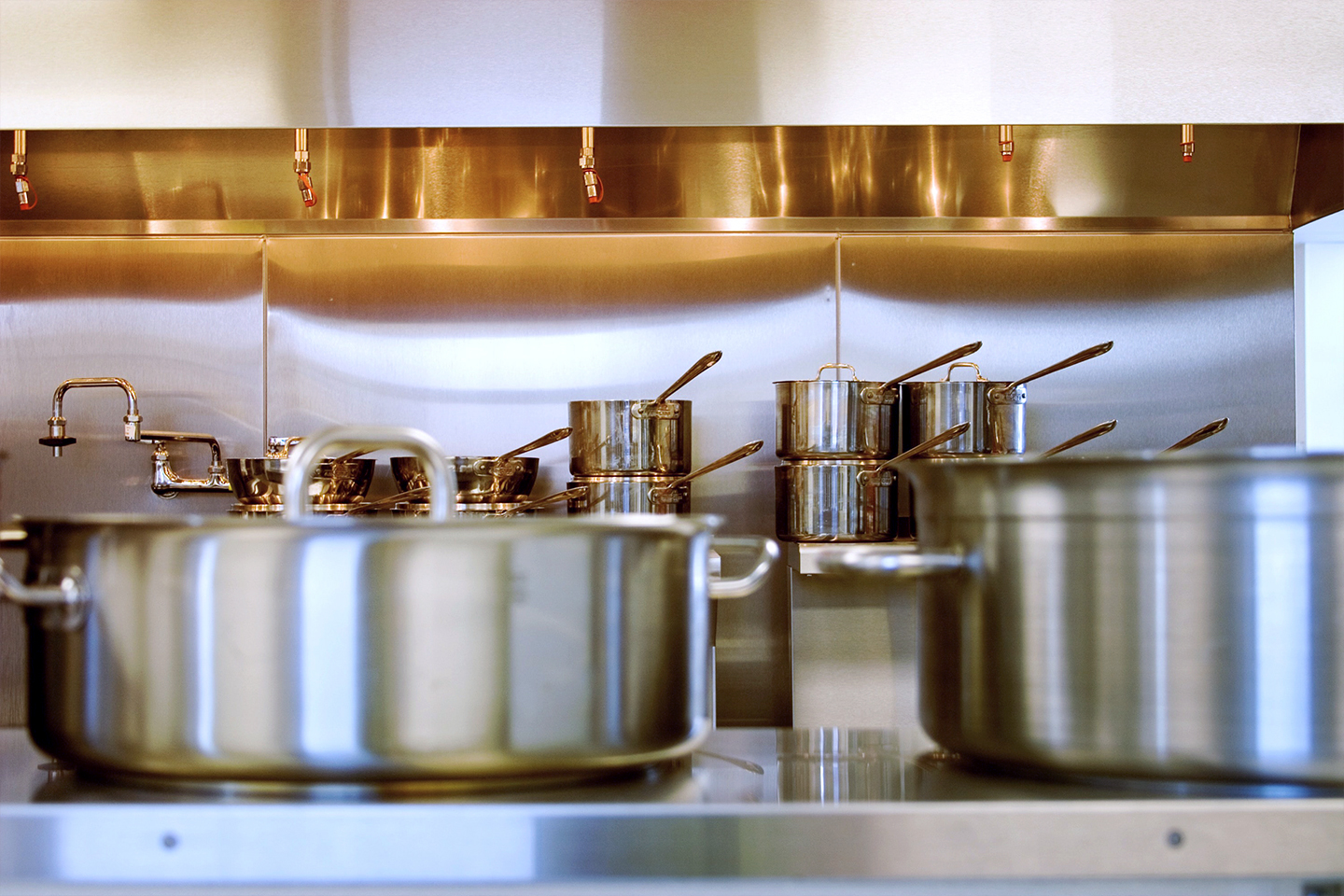 Maintaining Commercial Cookware To Prevent Corrosion