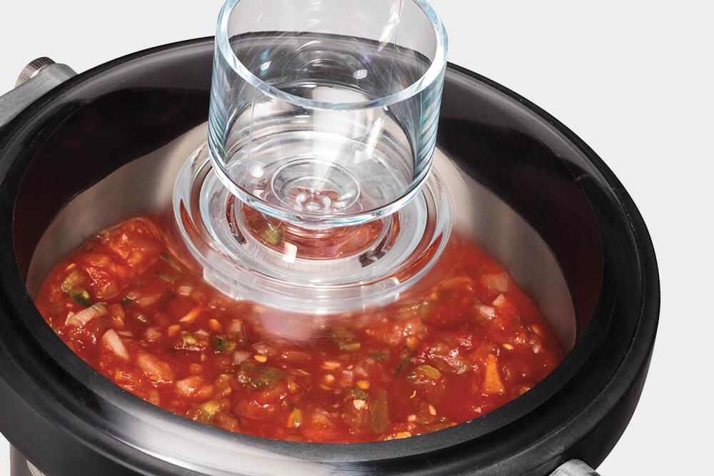 A transparent lid.