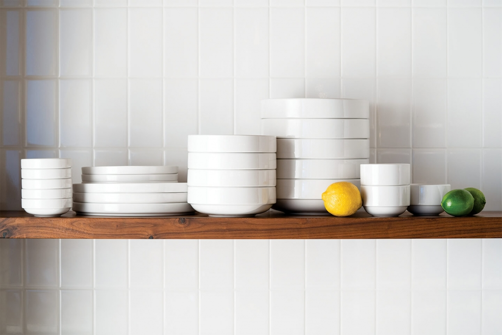 Stackable Porcelana plates by Libbey.